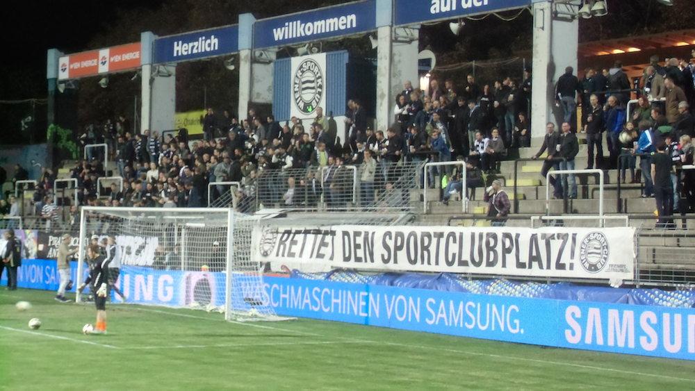 Rettet den Sportclubplatz (aufgenommen am 22.9.2015 im Cup-spiel WSK gg Altach)